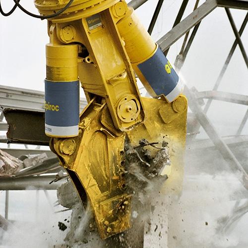 The Epiroc hydraulic combi cutter CC 1700